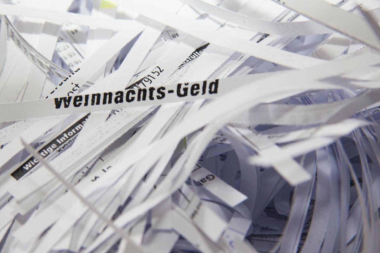 Firmowy niezbędnik – niszczarka biurowa do dokumentów