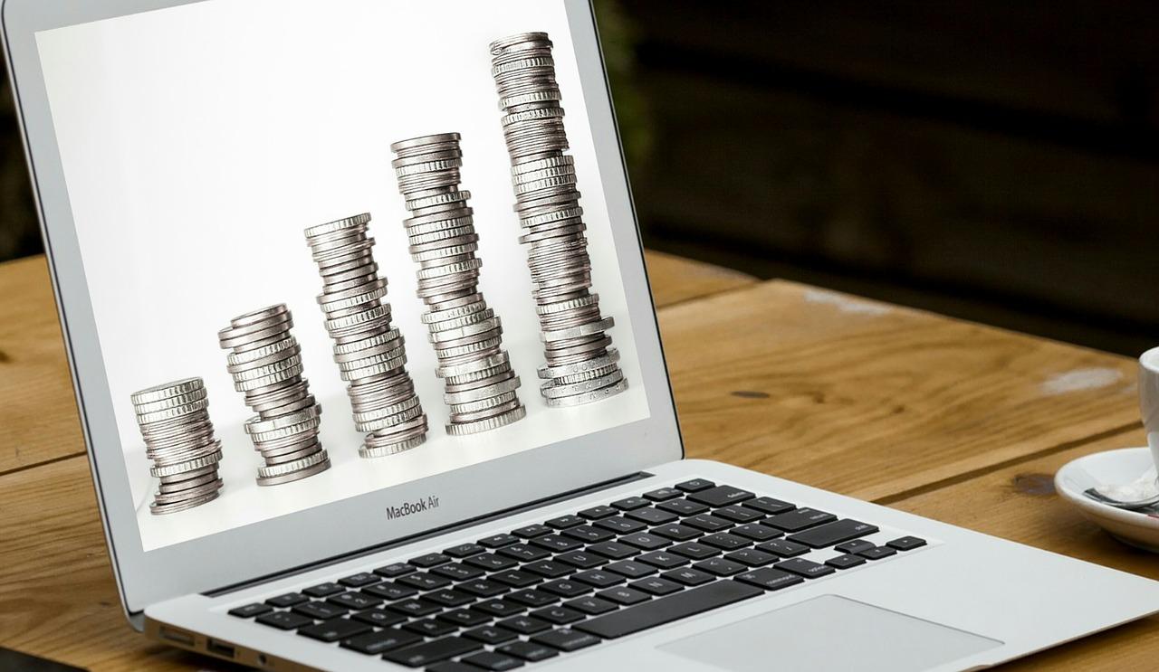 Kiedy internetowe konto się opłaca?